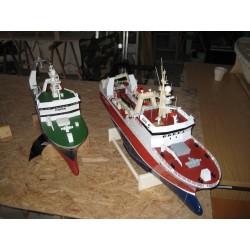 Ein Rumpf Zwei verschidene Trawler